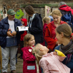 Gäste informieren sich über Pilze, Sommerfest 2010