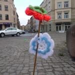 Strickblumen auf dem Rannischen Platz